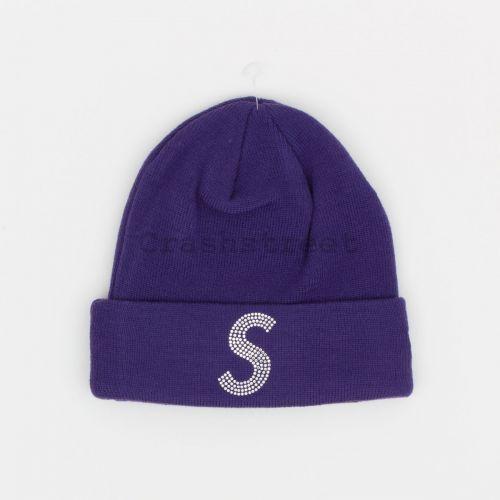 New Era Swarovski S Logo Beanie in Purple