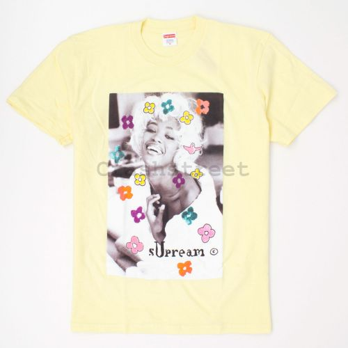 Naomi Tee in Yellow